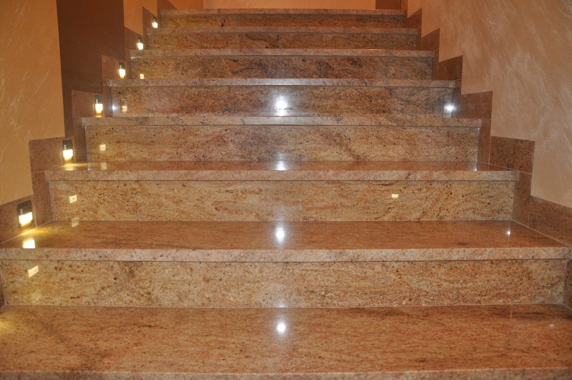 Schody kamienne Madura Gold od PS Granit Gdynia