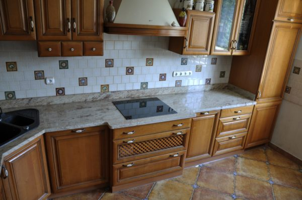 Blaty kuchenne z granitu Ivory Brown