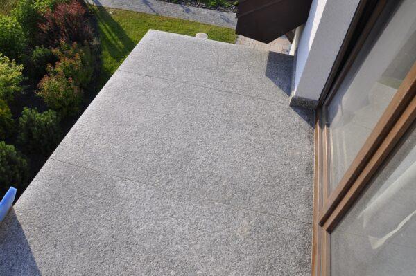 Balkon z kamienia Bianco Sardo PSGranit Gdynia