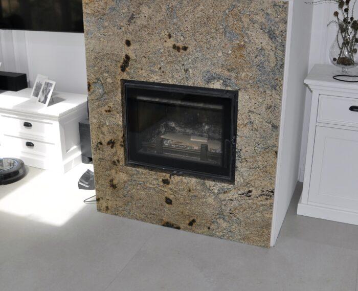 Aurus kominek z granitu