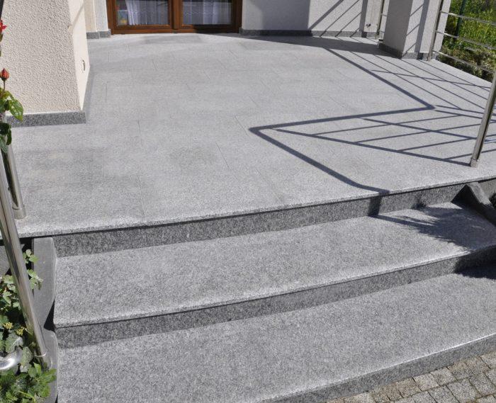 Płytki granitowe Bianco Sardo płomień 60x40x2 PSGranit