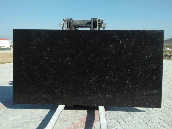MARQUINA BLACK konglomerat kwarcowy czarny