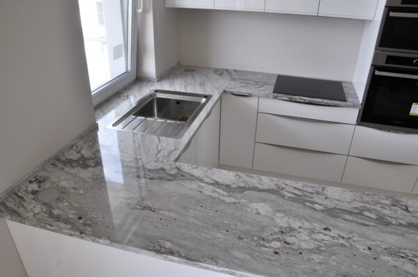 River White na blaty kuchenne