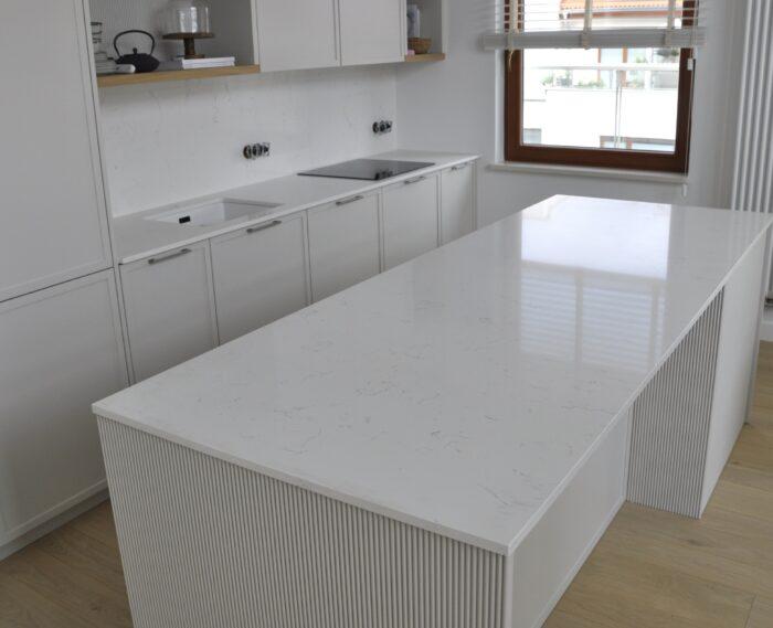 Carrara White 2cm konglomerat kwarcowy PSGRANIT Gdynia