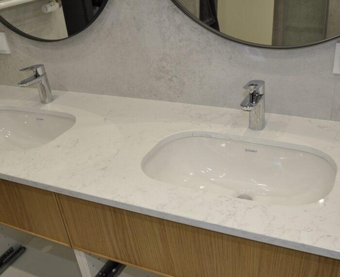 Carrara White 2cm poler
